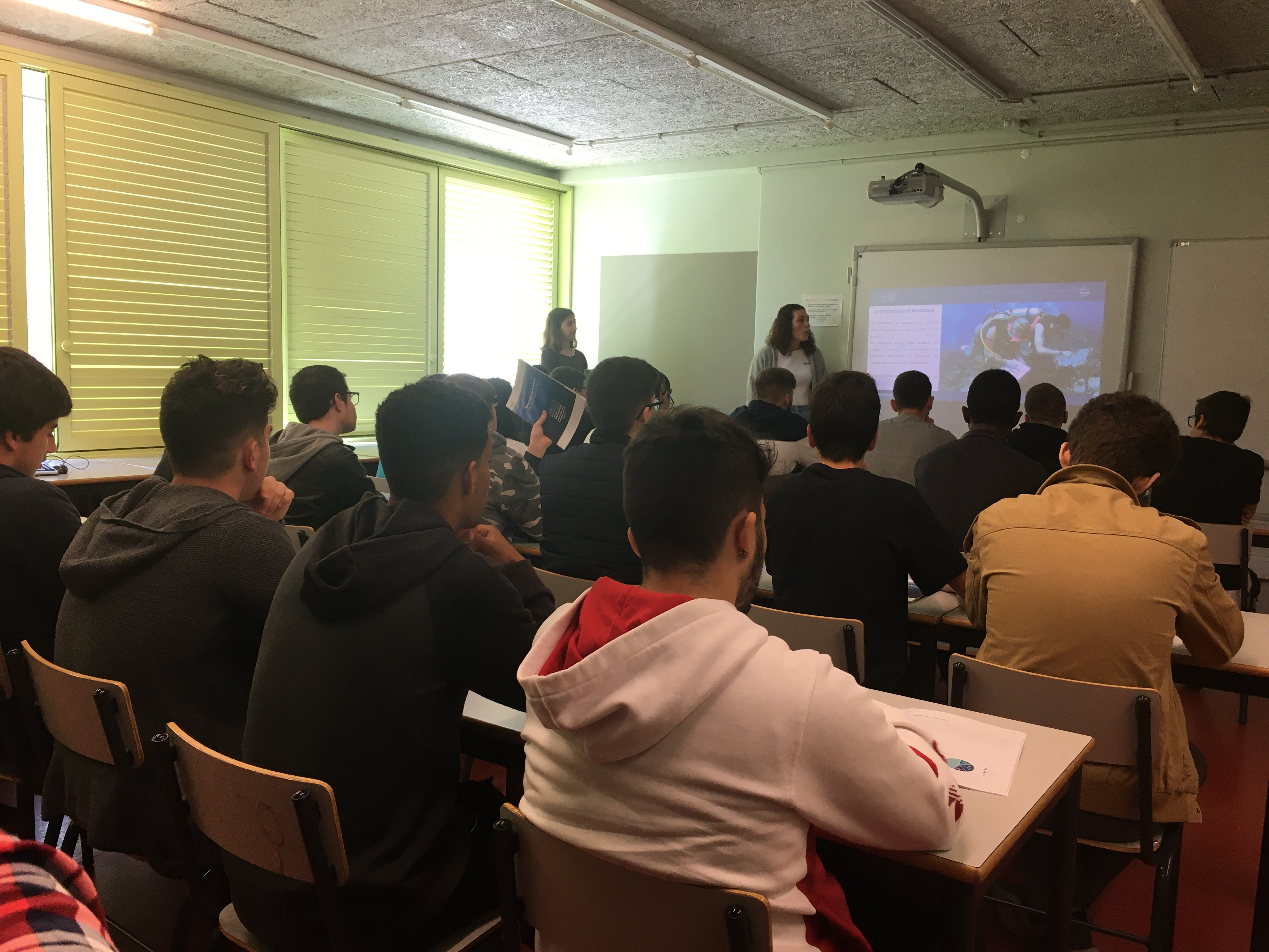 Clube's presentation at d. high school. Denis Spreading in Lisbon
